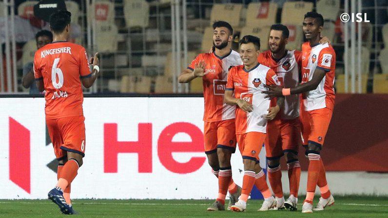 FC Goa players celebrate after Jackichand Singh's goal (credits: indiansuperleague.com)